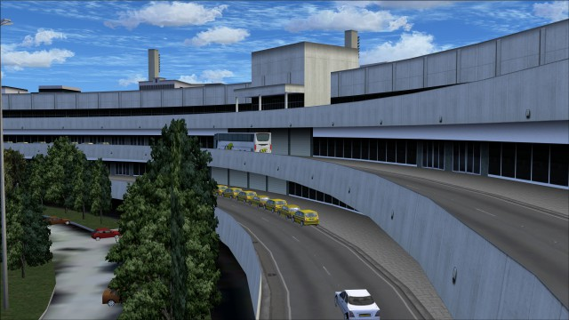 Terminal 1 arrivals road