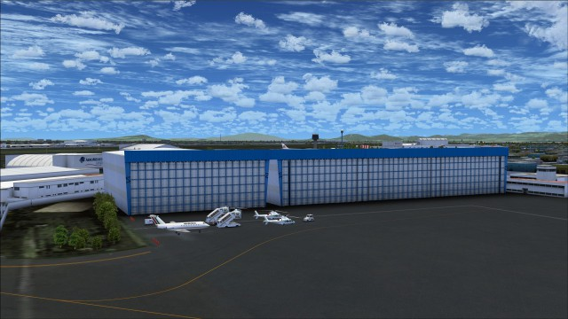 Hangar on Presidential apron