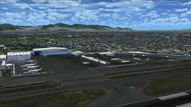 Mexicana hangar and apron